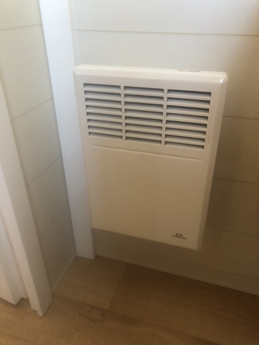 Radiateur du mobil home d'occasion Louisiane Grand Large 2009